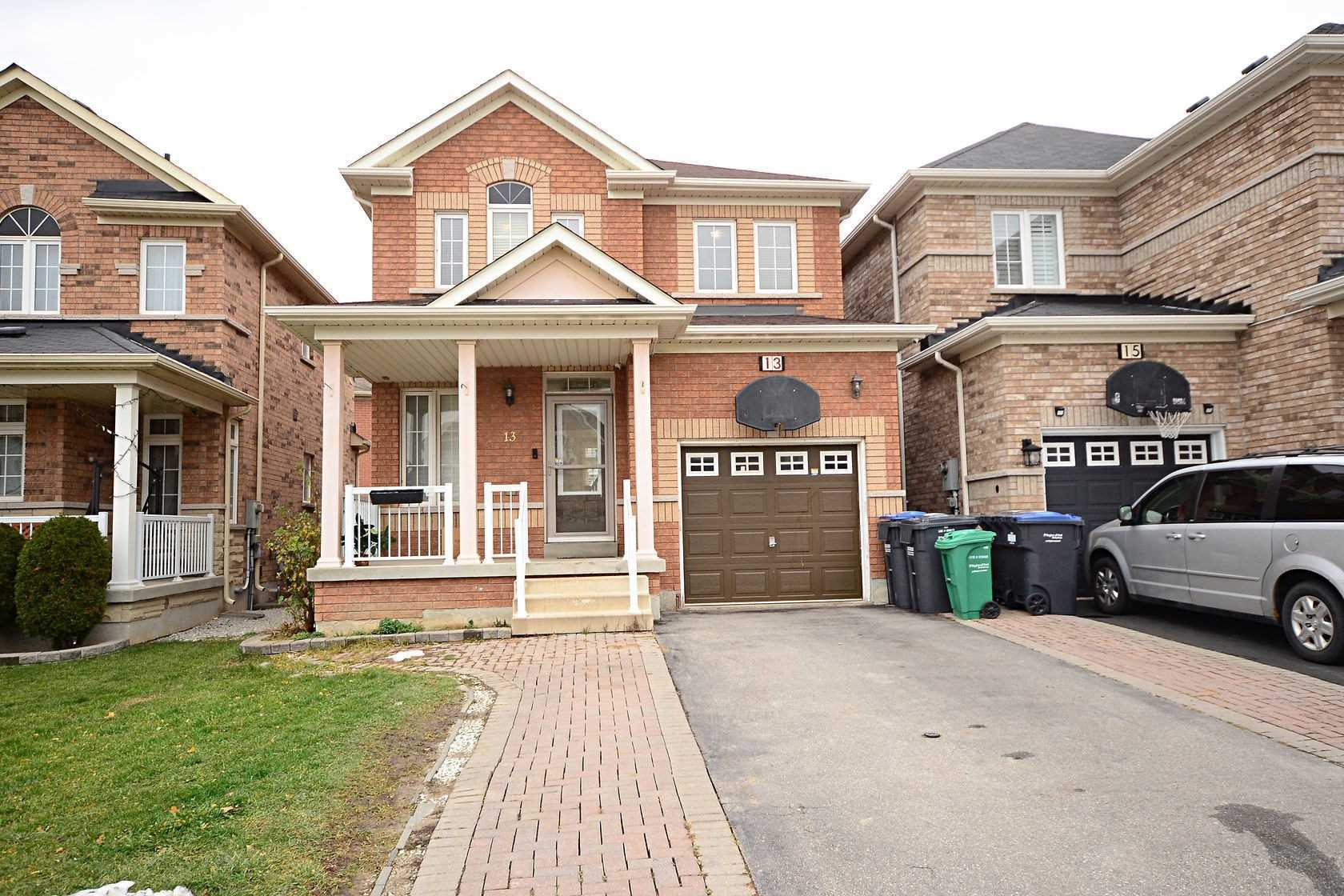 13 Fishing Cres - W5002330- $798,000