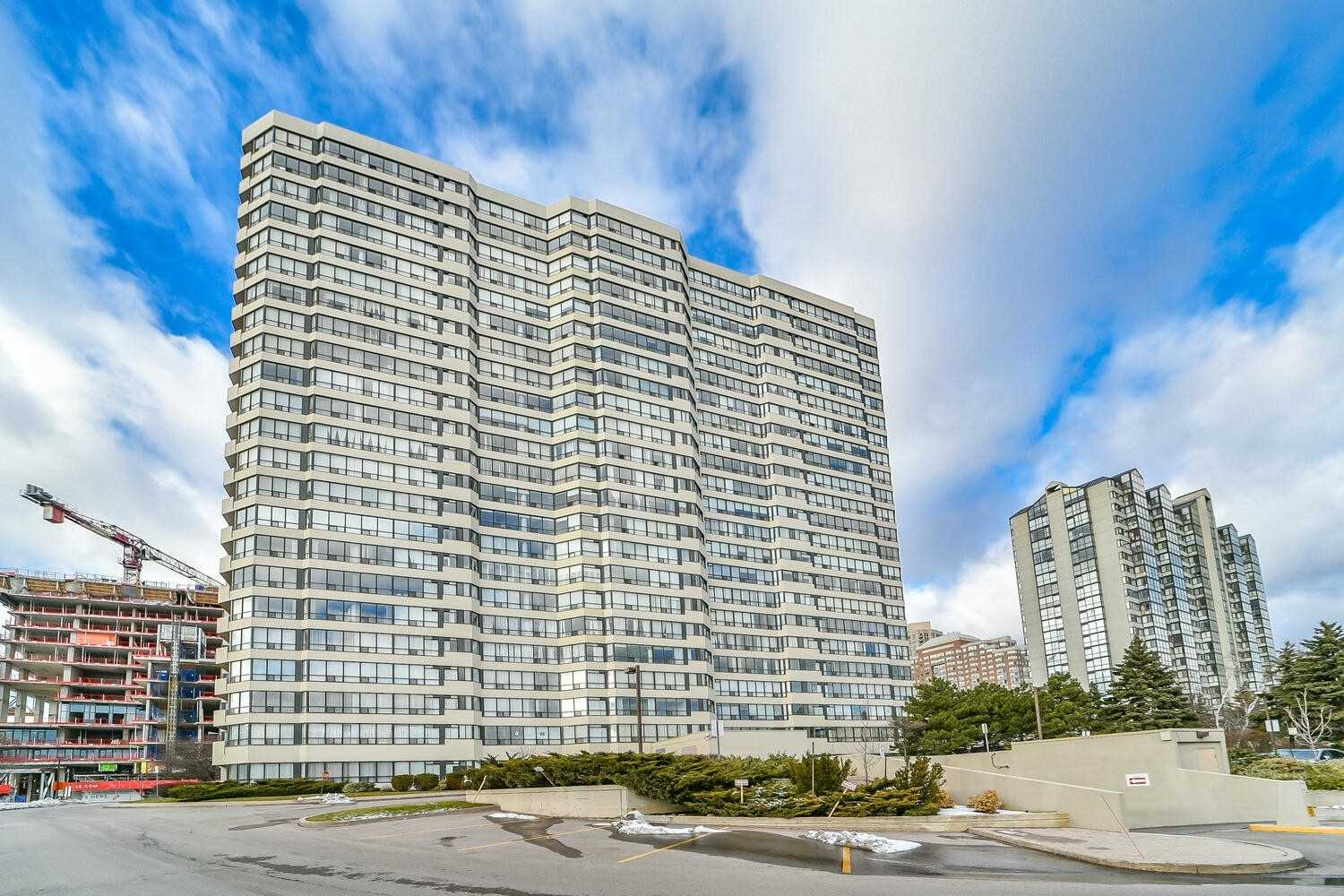 400 Webb Dr, Unit# Ph 2403 - W5077832- $669,000